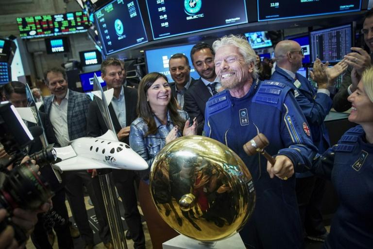 Richard Branson sẽ trở thành vị tỷ phú đầu tiên bay vào vũ trụ
