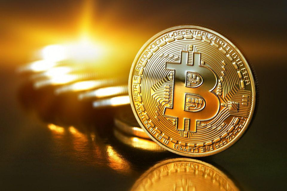 Giá Bitcoin tăng vọt, áp sát mốc 40.000 USD