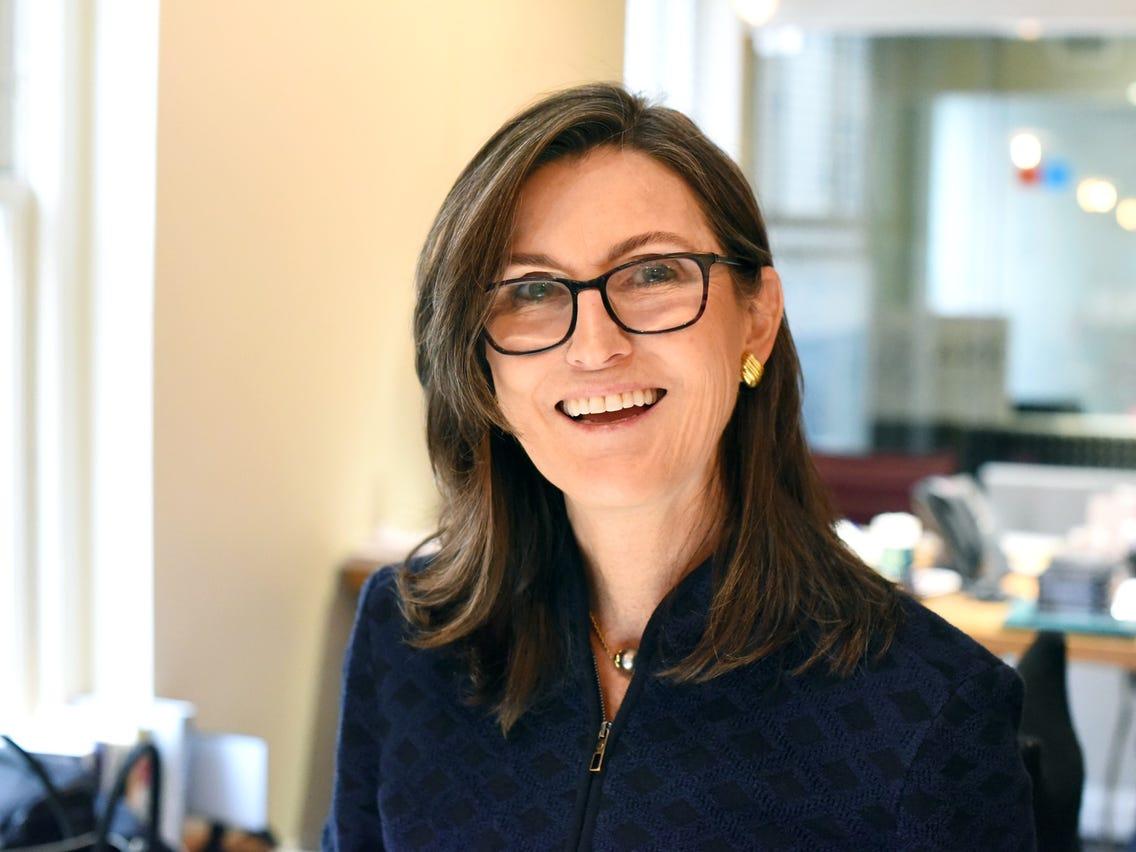 Quỹ hàng đầu của Cathie Wood đã chốt lời số cổ phiếu Coinbase trị giá 25 triệu đô