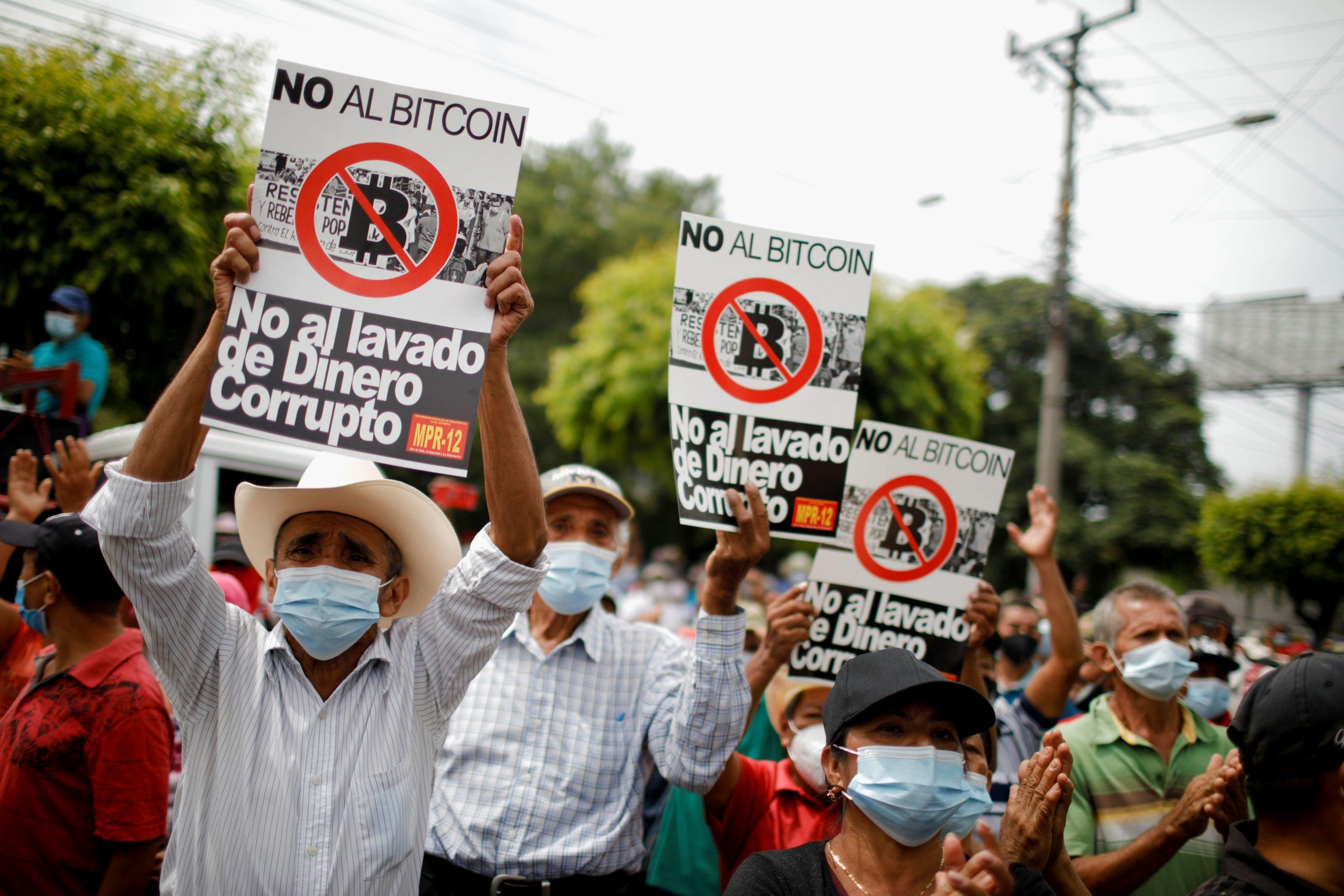 El Salvador rơi vào bạo loạn sau quyết định công nhận bitcoin
