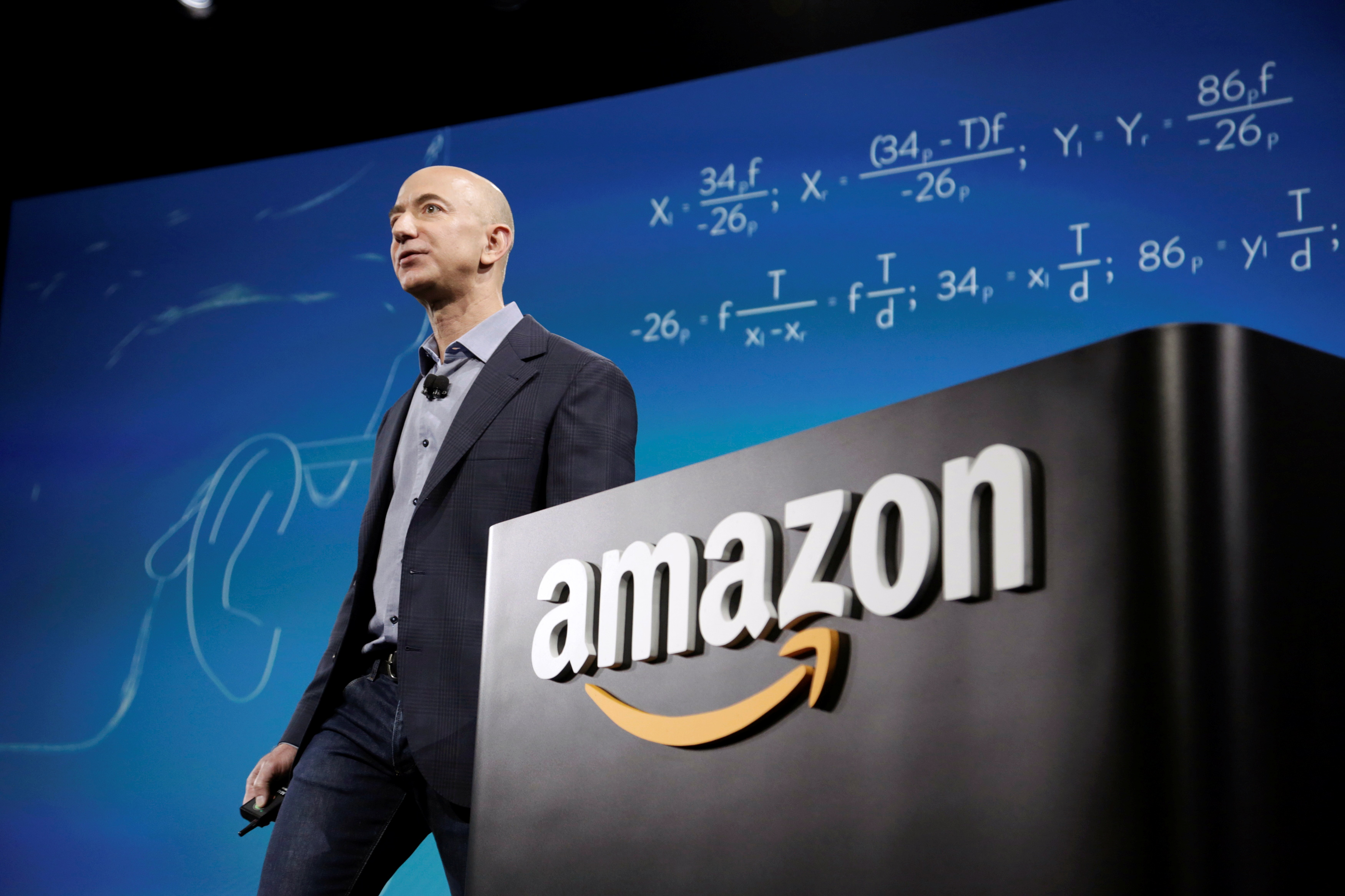Nếu ôm cổ phiếu Amazon từ ngày IPO đến lúc Jeff Bezos từ chức, nhà đầu tư lãi 2.340 lần