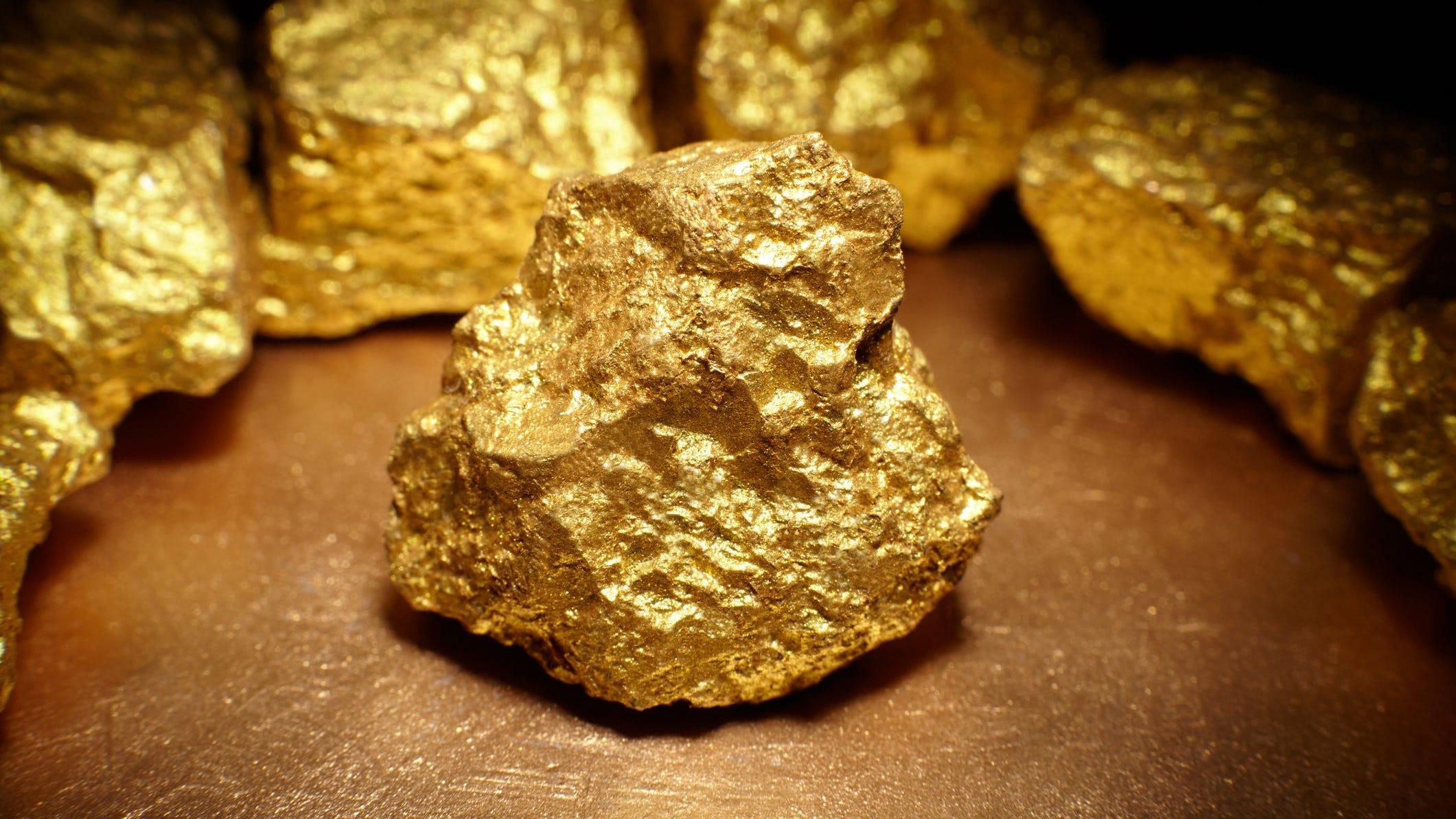 Giá vàng hôm nay 31/8: Phục hồi nhẹ sau khi giảm từ đỉnh gần 4 tuần