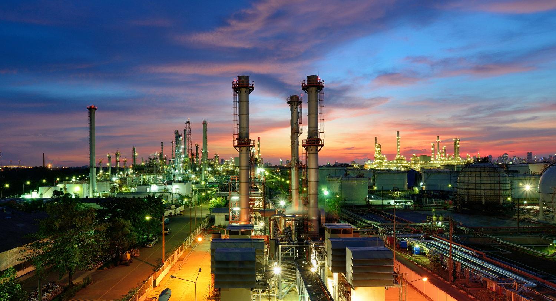 Giá dầu hôm nay 24/9: Dầu thô Brent vượt 77 USD/thùng nhờ lo ngại nguồn cung