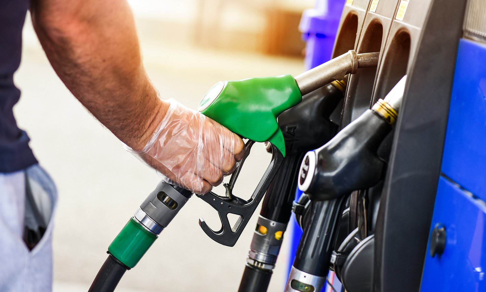 Giá xăng dầu hôm nay 23/8: Phục hồi trở lại
