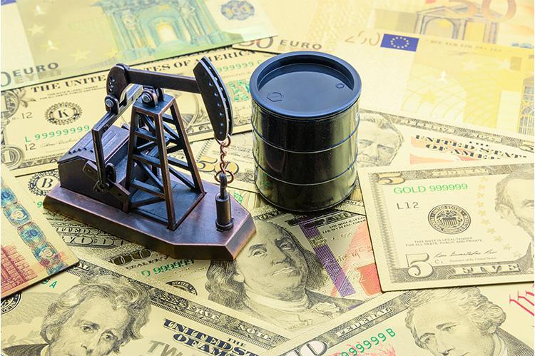 Giá xăng dầu hôm nay 13/10: Cả dầu Brent và dầu thô Mỹ đều neo trên 80 USD/thùng