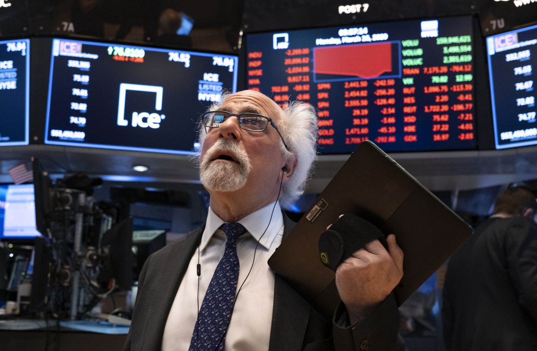 Giảm hơn 280 điểm, Dow Jones đứt mạch 5 phiên tăng liên tiếp