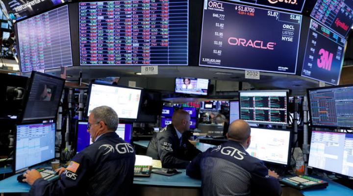 Chứng khoán Mỹ đối mặt loạt rủi ro trong tháng 9
