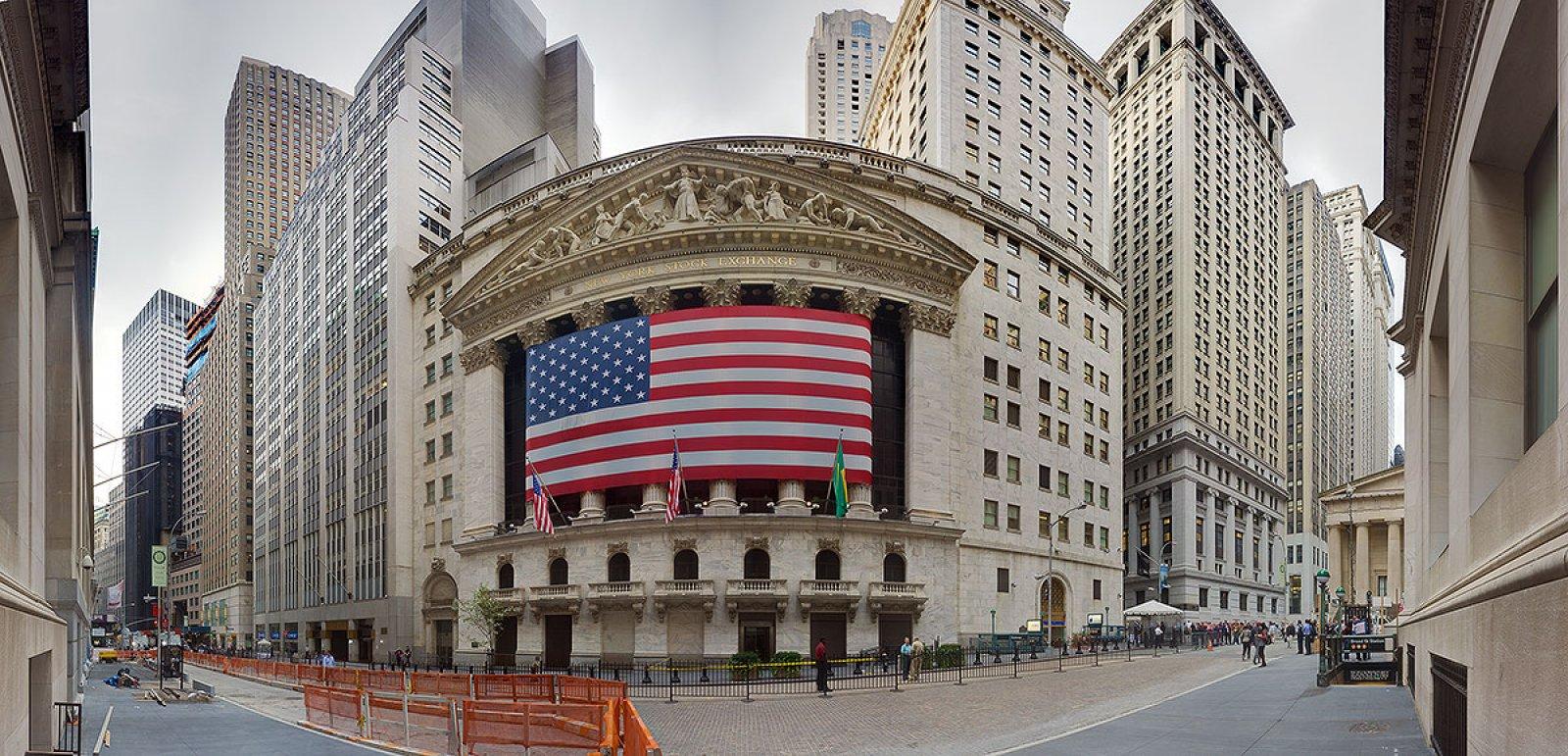 """Phố Wall thời đại dịch: Chứng khoán vẫn tăng gấp đôi bất chấp Covid, nghịch lý khiến những nhà đầu tư kỳ cựu """"ngã ngửa"""""""